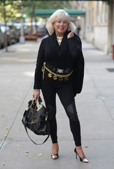 ADVANCED STYLE: Jackie  Love the jeggings. What a fashionable lady.