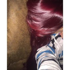 I'm in the process of dying my hair like but my hair didn't lift enough like hers here so one more try should do it ☺️ Beauty Makeup, Hair Makeup, Hair Beauty, Pretty Hairstyles, Wedding Hairstyles, Dying My Hair, Burgundy Hair, Rose Hair, Fall Hair