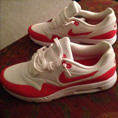 e8b3461a0f Nike Air Max 1 Ultra Moire Summit White/Challenge Red Nike . Never worn .