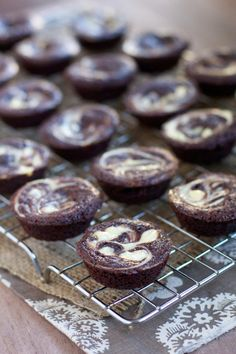 Cheesecake Swirl Brownie Bites