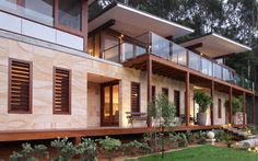 Gosford Quarries responsibly source and process Australian Sandstone in eco-friendly, environmentally sustainable ways. Sandstone is a recyclable product. House Cladding, Wall Cladding, Facade House, House Facades, Sandstone Cladding, Sandstone Wall, Chile, Cladding Materials, Outdoor Tiles