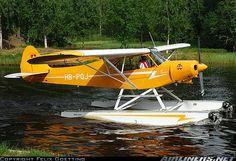 Piper Cub on floats