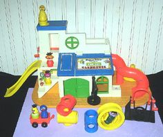 Vintage Fisher Price Sesame Street Clubhouse -Complete