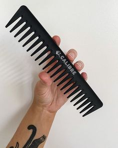 As young entrepreneurs, we know the value of a dollar, and understand the importance of spending money in the right places.⠀ ⠀ So we've done our research, developed a unique product with the highest-quality materials, at the best price. With an intelligent approach to design and manufacturing, we're able to produce a quality, good looking comb - without a hefty price tag - that will last you for years to come. ⠀ ⠀ For grooming tips or to shop our product, hit the link in our bio.⠀ ⠀ ⠀ 🖤… Static Electricity, Mens Fashion Blog, Men's Grooming, Hair Comb, Textured Hair, Carbon Fiber, Your Hair, How To Look Better, Young Entrepreneurs
