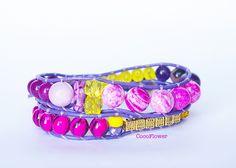 bracelet en perle, cuir violet, violet jaune, bijou perle fantaisie, idée cadeau, cadeau original maman, bracelet : Bracelet par cocoflower