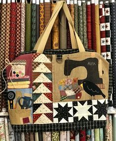 Solo patchwork-Sonia: Libros de Patchwork secret magazine... especial monograficos. Quilted Tote Bags, Patchwork Bags, Mundo Hippie, Fabric Bags, Love Sewing, Diy Crafts To Sell, Quilt Making, Applique, Patches