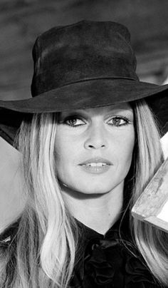 ab6c226048e French actress Brigitte Bardot on the set of  Les Petroleuses  a.  The  Legend of Frenchie King