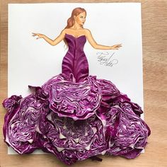 Purple cabbage couture What do you guys think? Sending love to each of you with… Purple cabbage couture What do you guys think? Sending love to each of you with this beautiful peace. Arte Fashion, 3d Fashion, Flower Fashion, Dress Fashion, Fashion Design Drawings, Fashion Sketches, Illustration Mode, Illustrations, Deco Floral