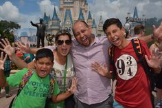 Florelith Fernandez - Disney World, Orlando #visiontravel #vivelo #venviveloconmigo #tourism #travel #networkmarketing #lifestyle