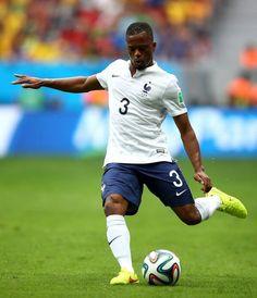 Evra's France through to the next round