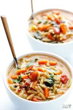 Italian Orzo Spinach Soup -- this hearty vegetarian soup is full of great flavor, and it's ready to go in less than 30 minutes. Add Italian sausage if you'd like extra protein! | gimmesomeoven.com