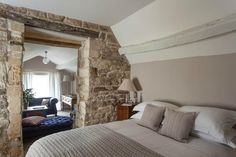 Winchcombe, UK: The Lion Inn - Room 7 (Suite)