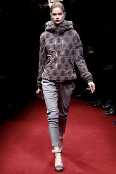 Undercover Fall 2011 Ready-to-Wear Collection Photos - Vogue