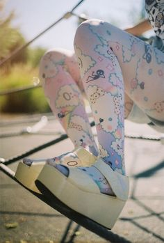 love these tights, so cute! :) | Harajuku fashion | Pinterest