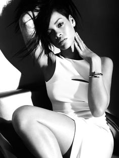 Camilla Akrans once again captures Rihanna for the pages of Harper's BAZAAR August issue Everything is all white for the August issue. Harper's BAZAAR August 2012 Model: Rihanna Moda Rihanna, Estilo Rihanna, Rihanna Riri, Rihanna Style, Rihanna Nails, Rihanna Fashion, Beyonce, Giorgio Armani, Emporio Armani
