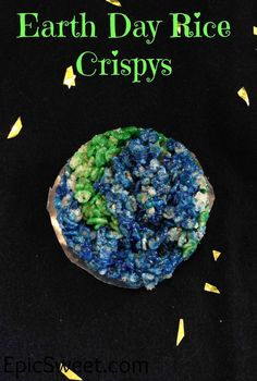 Earthday Rice Crispys: these are a really fun way to celebrate earth day. Plus they are a great snack so if your spending the day out in nature take a few of these with you! Rice Crispy Cake, Chocolate Rice Crispy, Rice Crispy Treats, Yummy Treats, Fun Baking Recipes, Sweets Recipes, Easy Recipes, Happy Independence Day Usa, Homemade Granola Bars