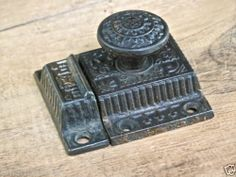 "Cabinet catch jelly cupboard latch vintage cast iron knob old Windsor 2 1/4"""