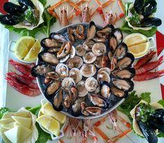 Frutti di mare crudi, cozze, noci, gamberi, scampi...  Siamo qui: Via Procaccia 4 70043 Monopoli (Ba) 0039 080 2462030  https://instagram.com/ristorante_lidobianco/ https://www.facebook.com/lidobianco https://twitter.com/lido_bianco https://plus.google.com/+LidoBianco www.ristorantelidobianco.com  ristorantelidobianco@gmail.com