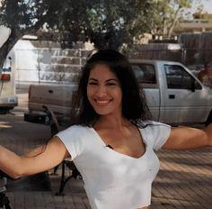 Selena Quintanilla Perez, Selena Pictures, Selena Pics, Selena And Chris, Film Aesthetic, Photos Du, Rare Photos, Girl Crushes, Pretty People