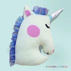 Dormire abbracciati ad un unicorno magico è il sogno di ogni piccola principessa. Con noi i piccoli sogni diventano dolci realtà. #unicorn #pillow #fairytoys