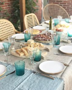 Outdoor Parties, Mediterranean Style, Kitchenware, Tablescapes, Picnic, Table Settings, Dining Room, Table Decorations, Inspiration