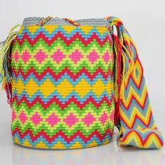Handcrafted handbags made by indigenous wayuu in the north of Colombia. Worldwide shipping – envíos mundiales – PayPal WA +57 3188430452 #seoul #ootd #mochilas #wayuu #handmade #boho #hippie #bohemian #กระเป๋าถือ #Handgjord #Handgemacht #Handgemaakt #faitmain #london #australia #wayuubags #handcrafted #กระเป๋า #çanta