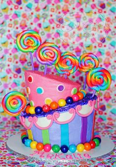 Bright fun lollipop cake. Cute girl birthday cake. Wonka.