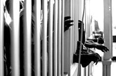 LES CAYO LA JUSTICIA A UNA ASIATICA Y UN VENEZOLANO POR BACHAQUEAR MAS DE 1000 KILOS DE AZUCAR