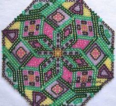 Beaded doily 22 cm / Centrino di perle / Perlen-Decke / Carpeta / Napperon