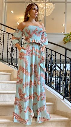 Wrap Dress Floral, Trendy Tops, Trendy Fashion, Womens Fashion, Green Dress, Dress To Impress, Strapless Dress, Beachwear, Swimwear