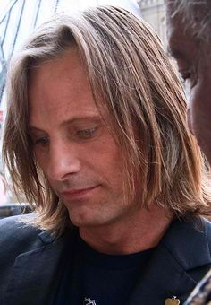 Viggo Mortensen, please stop being perfect at everything. It's depressing. P.S. Want to get some pizza?