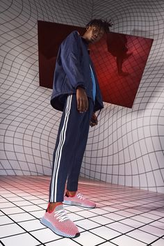 We report on the Adidas Deerupt Sneaker Collection Paris and London launch with Creative Consultant Gary Aspden. New Sneakers, Sneakers Fashion, Sneakers Nike, Boutique Adidas, La Mode Masculine, Minimalist Shoes, New Mercedes, Silhouette, Poses