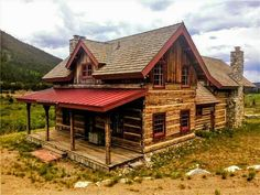 Cabin in the woods has its own charm that most of us yearns for. Log Cabin Living, Small Log Cabin, Log Cabin Homes, Cozy Cabin, Log Cabins, Rustic Cabins, Cabin In The Woods, Hunting Cabin, Cabins And Cottages