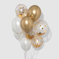 Make your party shine even brighter with these sparkly confetti balloons. The gold and white confetti create the perfect luxe and fun mix (and pair with everything)! String included, helium not included. Glitter Balloons, Glitter Candles, Gold Confetti Balloons, Helium Balloons, Latex Balloons, Balloon Decorations Party, Balloon Garland, Birthday Decorations, Gold Birthday