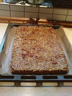 Umgedrehter Ahornsirup-Nusskuchen