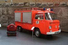 Volkswagen Bus Single Cab T2 fire equipment.