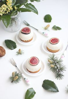 Cheesecake figues & quetsches Cheesecakes, Panna Cotta, Ethnic Recipes, Desserts, Orient, Food, Figs, Kitchens, Dulce De Leche
