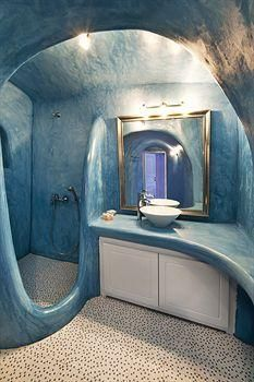 Nonis Apartments - awesome bathroom!