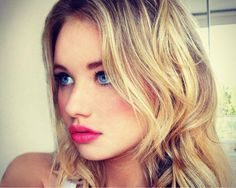 Kassandra Clementi - home and away - Maddie Famous Blondes, Human Bean, Blonde Women, Celebs, Celebrities, Home And Away, Beautiful People, Beautiful Women, Beauty Hacks