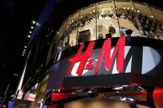 H&M Sustainability Report Outlines Where the Brand Is Heading. But can fast fashion ever truly be sustainable? Stores Like Forever 21, H&m Store, Retail News, Elle Mexico, Swedish Fashion, Keep Shopping, Fast Fashion, Bottega Veneta, Fashion Brand