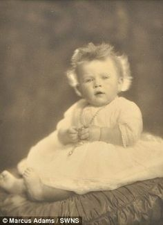 500 historic #Royal photographs up for auction