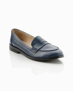 cute navy loafers #shoes #business #fashion