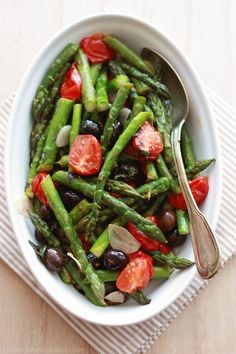 One of the most important aspects to health is proper pH balance, and there is not better diet to balance pH than the alkaline diet. Alkaline Diet Plan, Alkaline Diet Recipes, Tasty, Yummy Food, Cooking Recipes, Healthy Recipes, Asparagus, Green Beans, Food And Drink