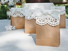 bonbonnieres - Lace tipped Brown Paper Bags