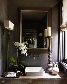 I love the depth and reflectivity of Graphite. Here our powder room with graphite walls. Design Hall, Cafe Design, House Design, Bathroom Inspiration, Interior Design Inspiration, Design Ideas, Powder Room Design, Dark Interiors, Guest Bath