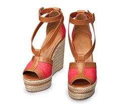 """Ibiza Hermes ladies' espadrille in poppy red linen canvas and natural calfskin, leather covered buckle, natural rope midsole with leather piping, natural rope wedge 3.3"""" heel"""