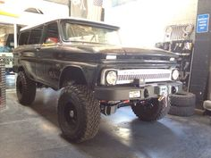 65 Suburban by World Famous 4x4.