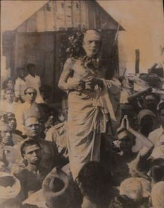 Experiences with Maha Periyava: The Mahaan Who Wiped Our Tears Devotees saw with their own eyes that water was leaking from the corner of Sri Vishnu Durga's eyes in the Arulmigu Pandaadu Naya…