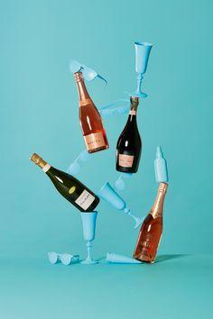 L'Express Styles - Champagnes - Akatre Glass Photography, Minimal Photography, Still Life Photography, Vodka, 3d Foto, Wine Magazine, Minimal Web Design, Wine Packaging, Wine Art