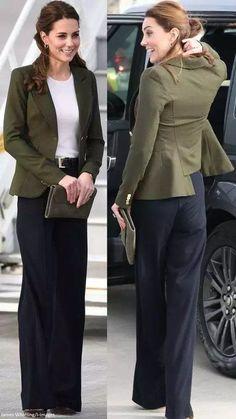 - The Duchess opted for a green blazer, white top and navy wide leg tr. - – The Duchess opted for a green blazer, white top and navy wide leg trousers. Moda Kate Middleton, Looks Kate Middleton, Estilo Kate Middleton, Kate Middleton Outfits, Kate Middleton Fashion, Navy Pants Outfit, Navy Blue Pants, Green Blazer, Navy Wide Leg Trousers